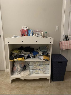 Changing table with pads and cover for Sale in Hollywood, FL