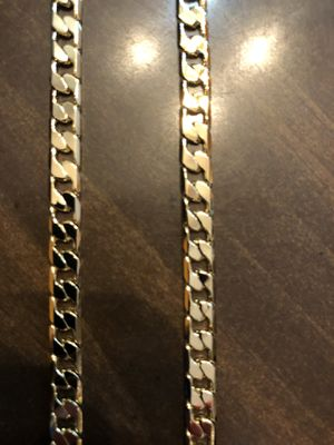 24 inch 14 karat gold plated Figaro chain necklace for Sale in Parkville, MD