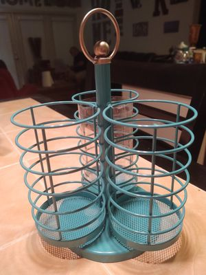 Makeup brushes holder plus brushes caddy for Sale in Round Rock, TX