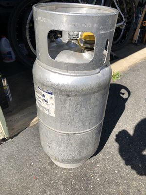 BIG Propain tank good for RV/CAMPERS -forklift tank (FULL) for Sale in Lynnwood, WA