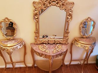 Antique Handcrafted Marble Top Console Table With Gold Mirror And Candles Holders for Sale in Nokesville,  VA