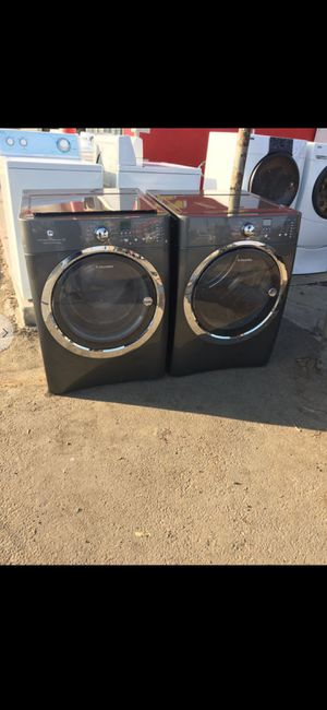 Electrolux Frontload Washer & Dryer Set for Sale in Bakersfield, CA