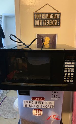Hamilton beach microwave almost brand new for Sale in San Diego, CA