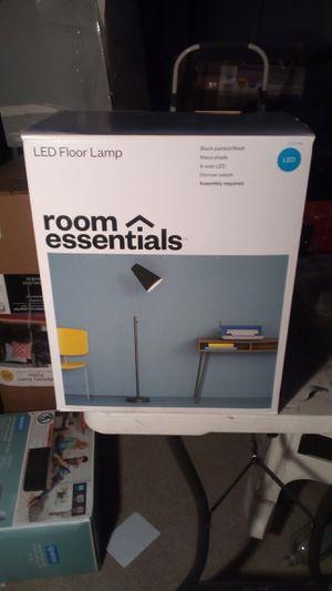 Room essential- floor lamp for Sale in Compton, CA