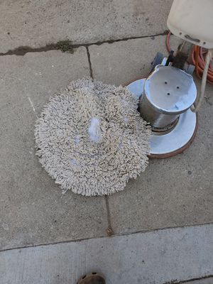Floor scrubber in good {url removed} works good for Sale in Hazard, CA