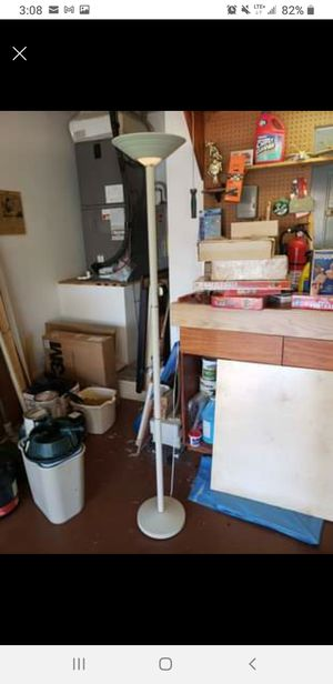 Floor Lamp with 3 Settings for Sale in Fort Lauderdale, FL