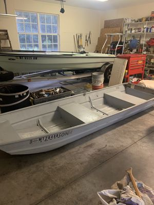Aluminum Fishing Boat and Trailer for Sale in Edgewater, FL