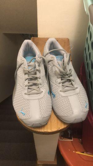 Women puma sneakers for Sale in Victoria, VA