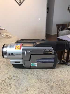 Sony HandCam CCD-TR68 HI8 Camcorder for Sale in Selma, TX