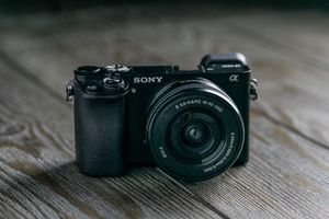 SONY a6000 CAMERA MINT!!! - w/16-50mm Lens for Sale in Oak Park, IL