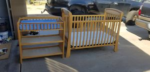 Crib/toddler bed,with changing table for Sale in Mesa, AZ