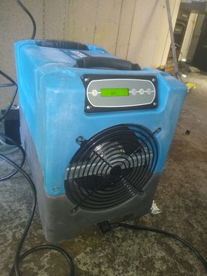 Revolution lgr mold and water humidifier for Sale in Richmond, CA