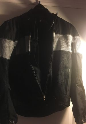 Look like new food condition Motorcycle jacket , have a doLike new in good condition have a double cover inside inside and back gear , for sport B for Sale in Doral, FL