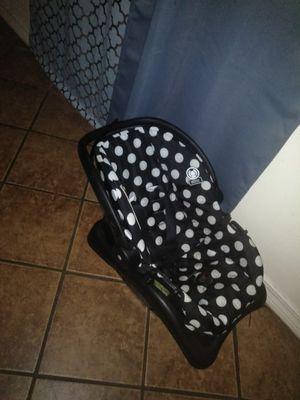Polka dots car seat for Sale in Mobile, AL