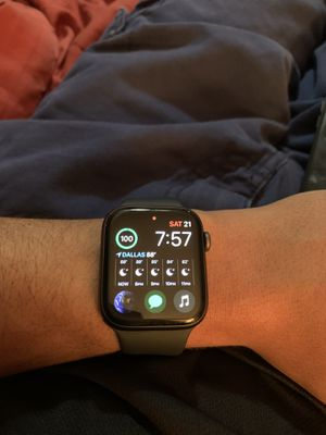 Apple Watch series 4/44m for Sale in Dallas, TX