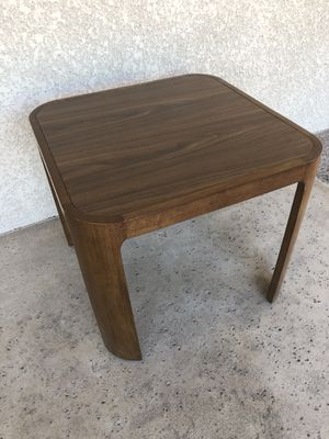 Modern wood and formica end table for Sale in Scottsdale, AZ