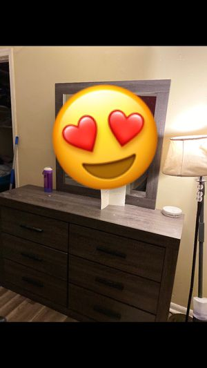 Dresser for Sale in Oxon Hill, MD