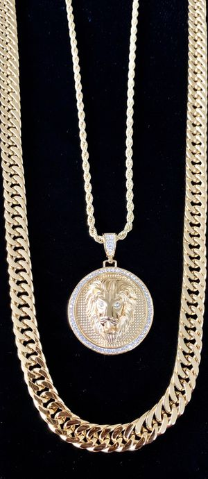 LION DIAMONDS cz 18K GOLD NEW CHAIN NECKLACE MADE IN ITALY!! for Sale in Miami Beach, FL