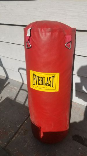 60 lbs punching bag mma , box , UFC, for Sale in Las Vegas, NV