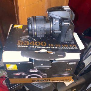 Nikon D3400 18-55 VR KIT cam W/ Accessories. for Sale in Norton, MA