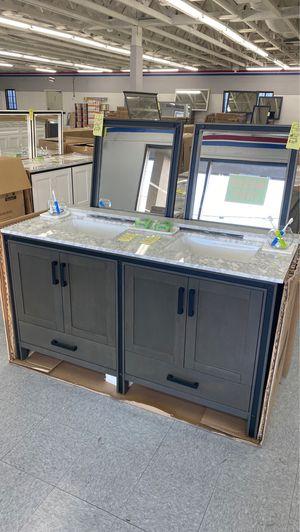 Bathroom vanities cabinets sinks freestanding bath tubs NEW for Sale in Federal Way, WA