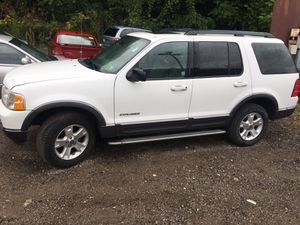 05 Ford Explorer XLT 4wd 3row for Sale in Pittsburgh, PA