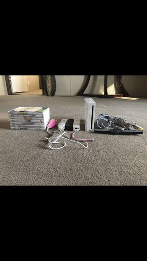 Wii wit games and controllers for Sale in Columbus, MS