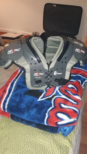 Riddell air pac shoulder pads for Sale in Fenton, MO
