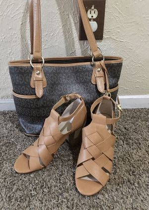 Purse with sandal size 9 for Sale in Dallas, TX