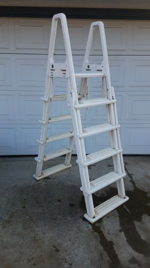 Very Sturdy above ground pool Ladder! for Sale in Fresno, CA