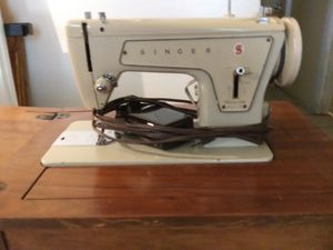 Singer sewing machine 1969 for Sale in Longview, TX