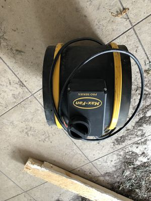 Max fan pro series hydro for Sale in Nuevo, CA
