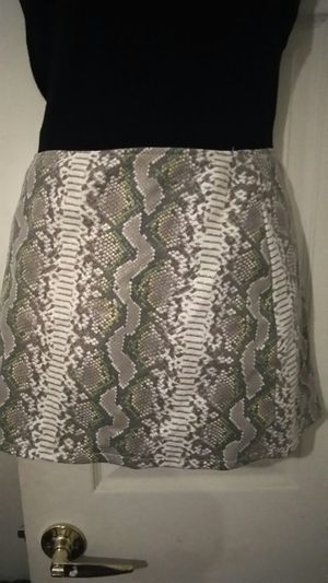NEW SKIRT SMALL Sz for Sale in Riverside, CA