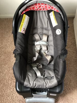 Graco infants car seat for Sale in Strongsville, OH