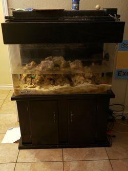 Fish Tank 65 Gal for Sale in Montclair,  CA