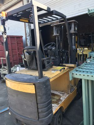 Cat Electric Forklift for Sale in Los Angeles, CA