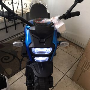 Electric Kids 12 Volt Dirt bike for Sale in Fresno, CA