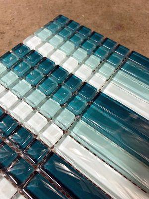 Turquoise Blue Random Sized Crystal Glass Mosaic Wall Tile for Sale in Woodbridge, VA