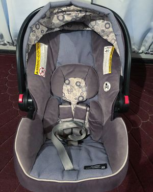Graco Click Connect 35 Car Seat & Base for Sale in Sabattus, ME
