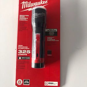 Milwaukee 325 Lumens LED Aluminum Flashlight for Sale in Garden Grove, CA