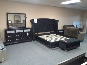 4PC EASTERN KING BEDROOM SET: KING BED FRAME, DRESSER, MIRROR, NIGHTSTAND--BLACK VELVET for Sale in North Highlands, CA