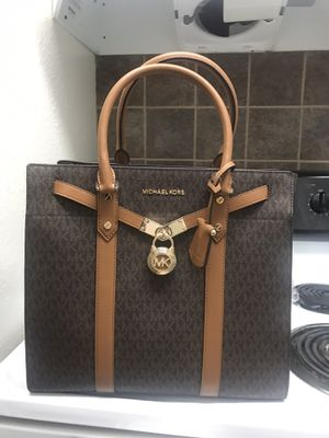 Michael Kors Large Leather Totr for Sale in Dallas, TX