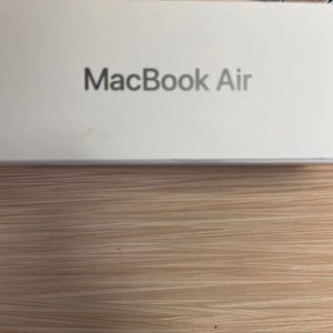 2019 MacBook Air 13 Inch for Sale in Houston, TX