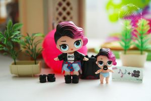 LOL Series 1 Doll Set (Rocker & Lil Rocker) for Sale in Las Vegas, NV