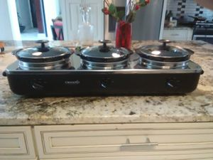Three in one crock pot for Sale in Kissimmee, FL