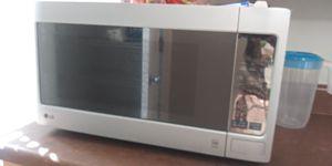 Lg Microwave for Sale in Atlanta, GA