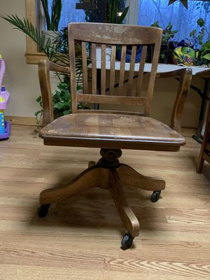 Antique Rolling Chair for Sale in Duncan, SC