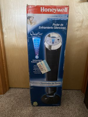 Honeywell Whole Room Tower Fan for Sale in Seattle, WA