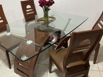 Dinning Table, Sofa, and Recliner for Sale in Hollywood,  FL