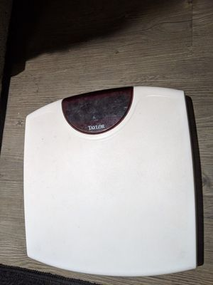 Taylor bathroom scale with battery for Sale in Redmond, WA